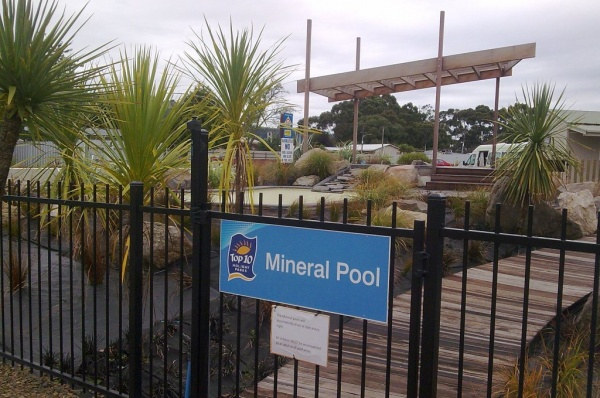 Commercial rodtop mineral pools