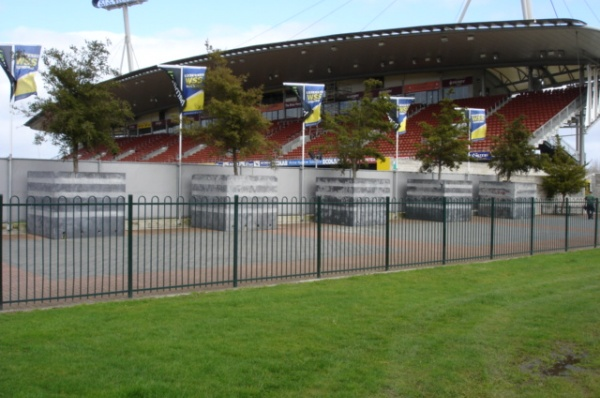 Waikato Stadium Hoop Top